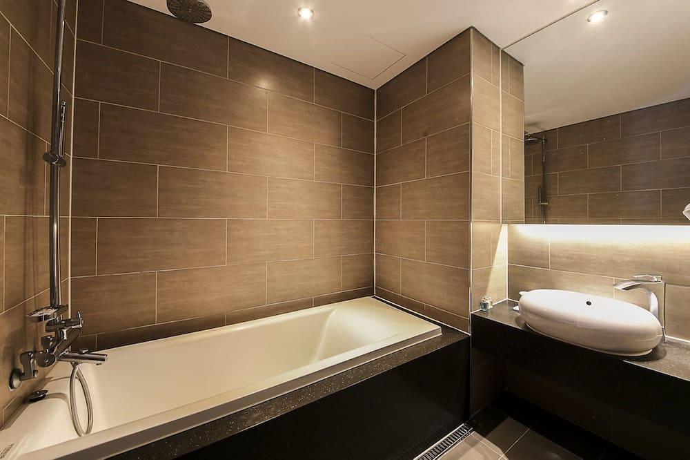 皇家套房 - 浴室