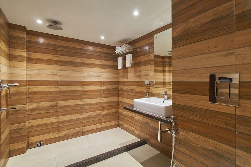 Superior tweepersoonskamer, 1 kingsize bed - Badkamer