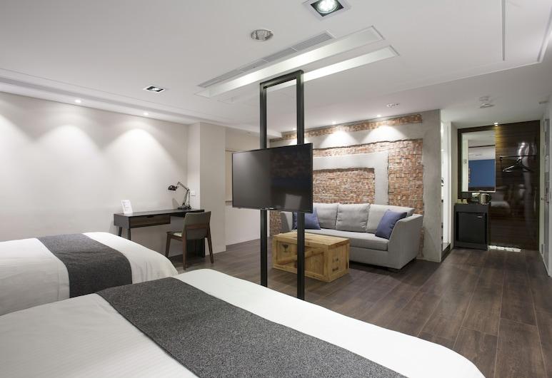 P&F HOTEL, Taichung, Basic Quadruple Room, Guest Room