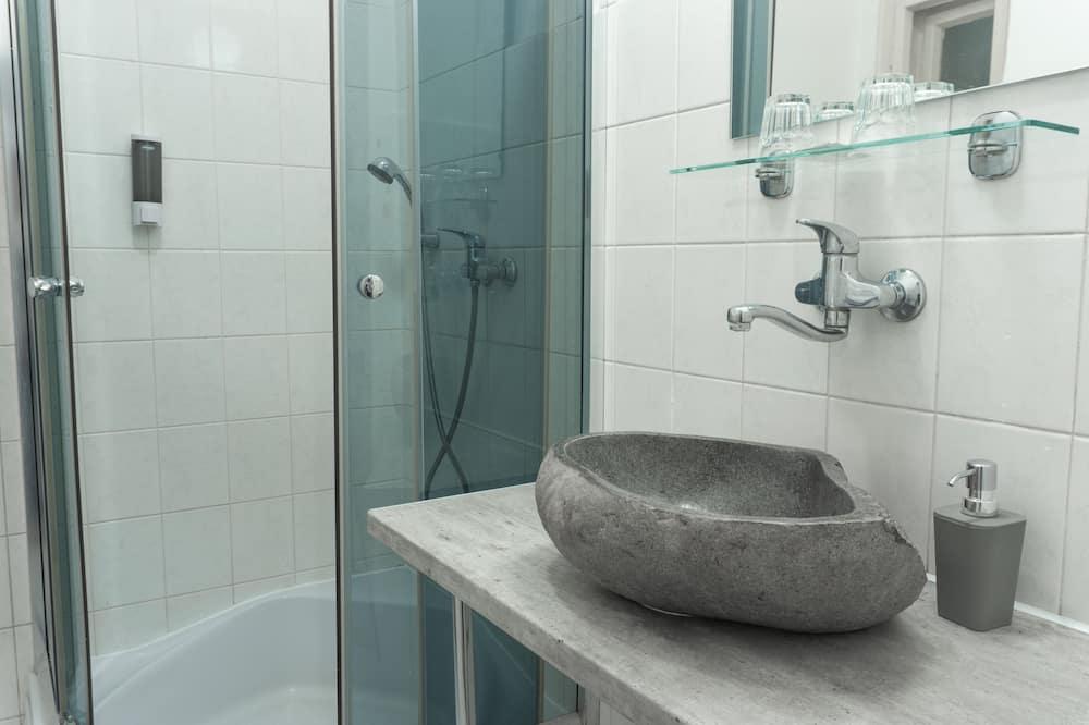 ห้องดับเบิล, ห้องน้ำส่วนตัว - ห้องน้ำ