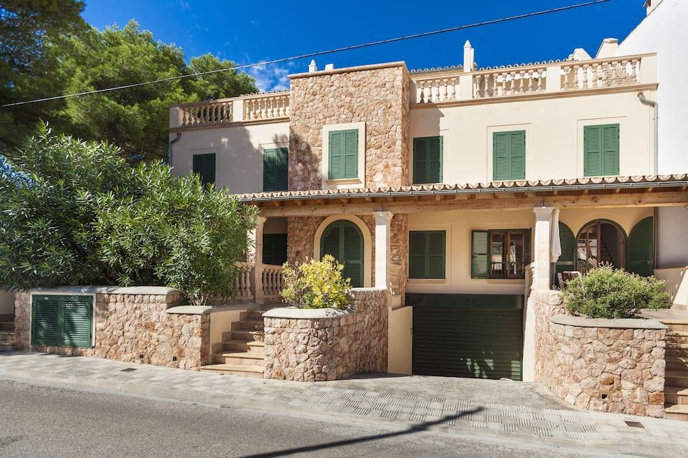 Villa - Galvenais attēls