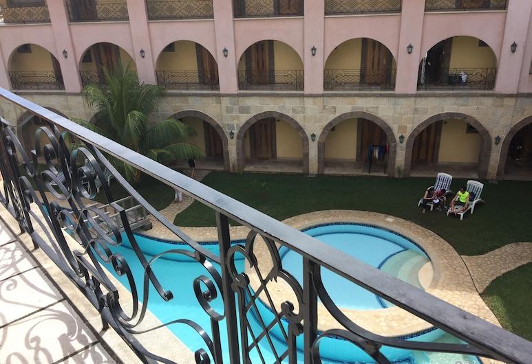 โรงแรมกอร์โตเดลมาร์, โครอน, ลานระเบียง/นอกชาน