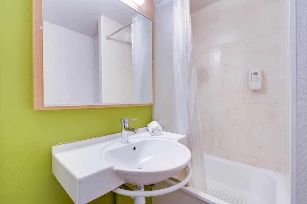 Trokrevetna soba, za nepušače - Kupaonica
