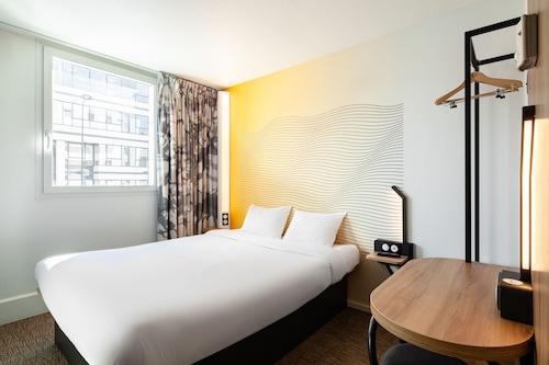 巴黎聖但尼普萊耶爾民宿飯店/