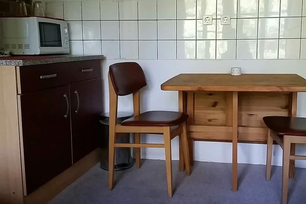 Kahetuba (Ost-Appartement) - Einetamisala toas