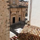 Superior Triple Room, Private Bathroom - City View