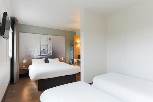 瓦朗謝訥民宿酒店/