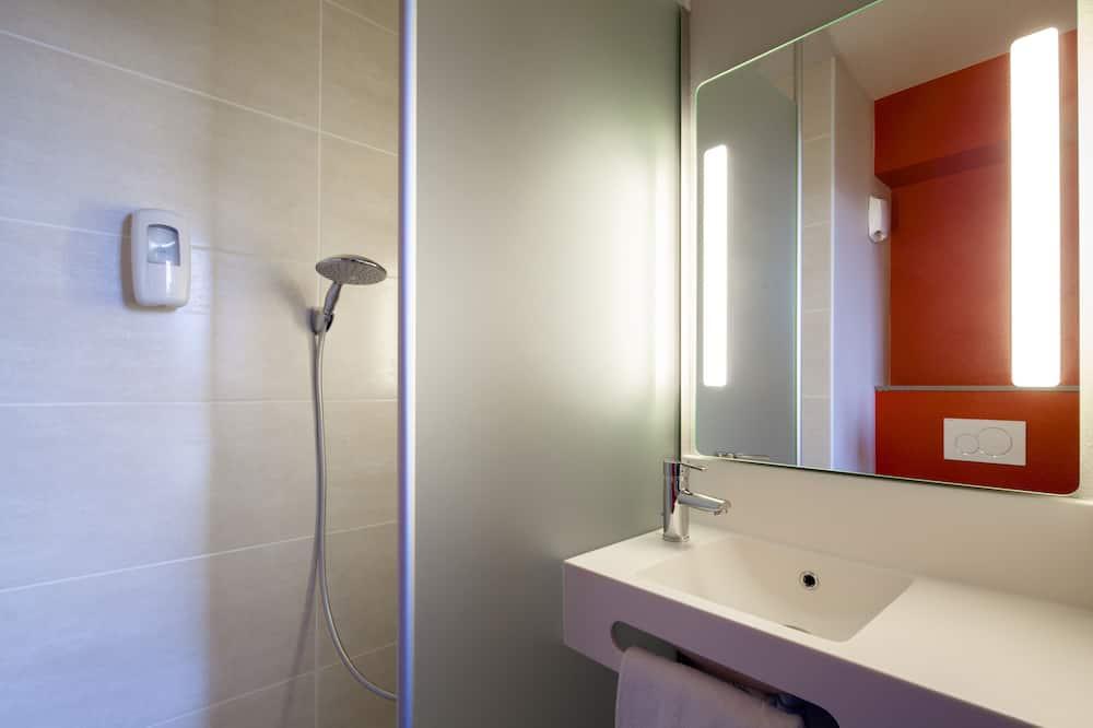 Classic Double Room - Bathroom
