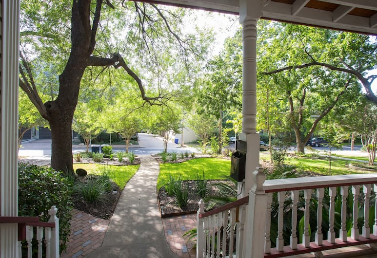 Brava House Bed and Breakfast, Austin, Aed