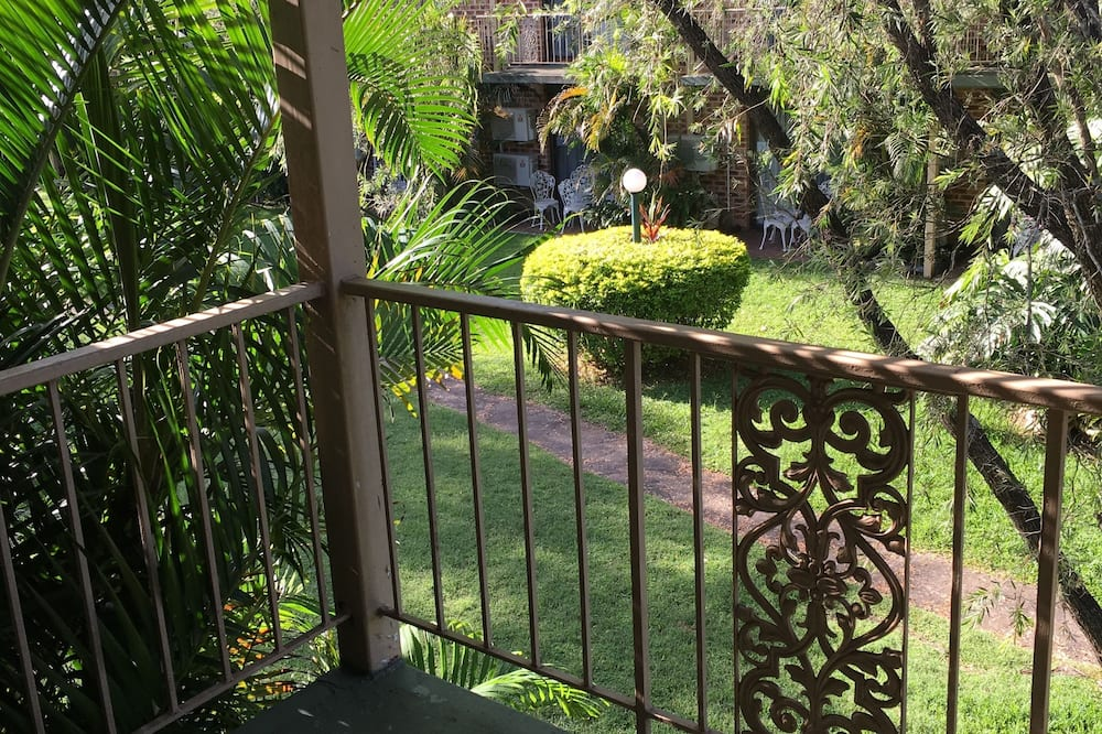 Deluxe Queen Suite - Balcony