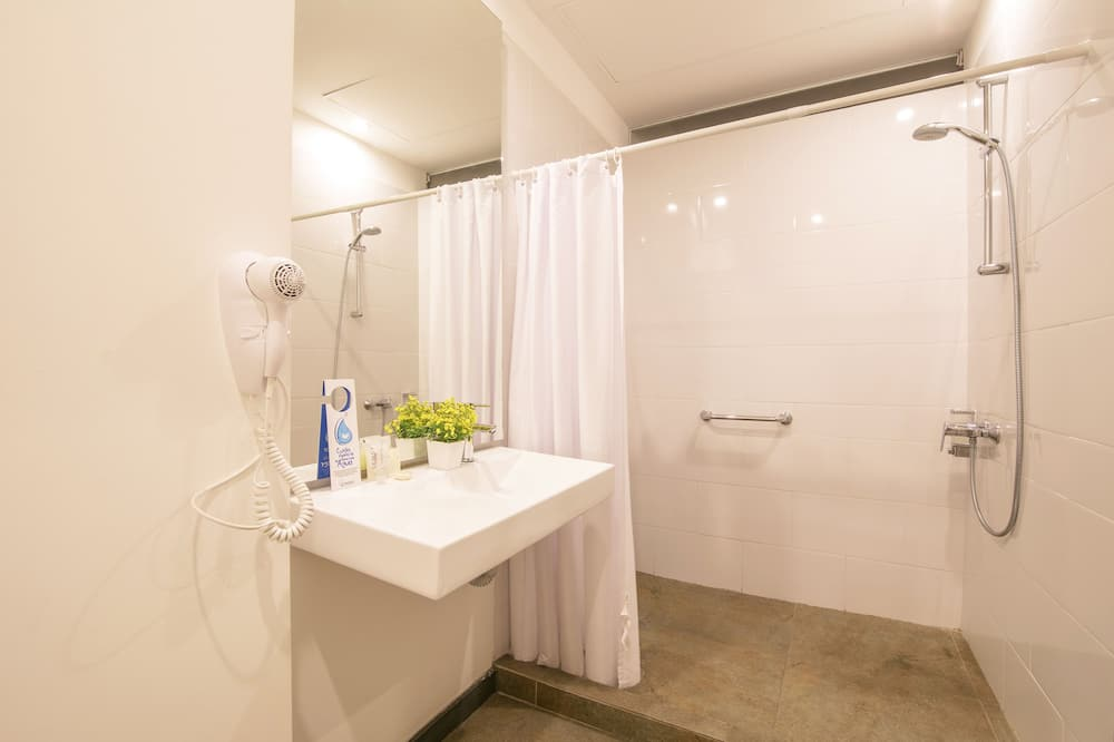Executive Loft - Bathroom
