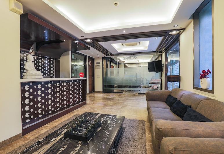 Hotel Blue Stone - Nehru Place, Нью-Дели, Гостиная в вестибюле