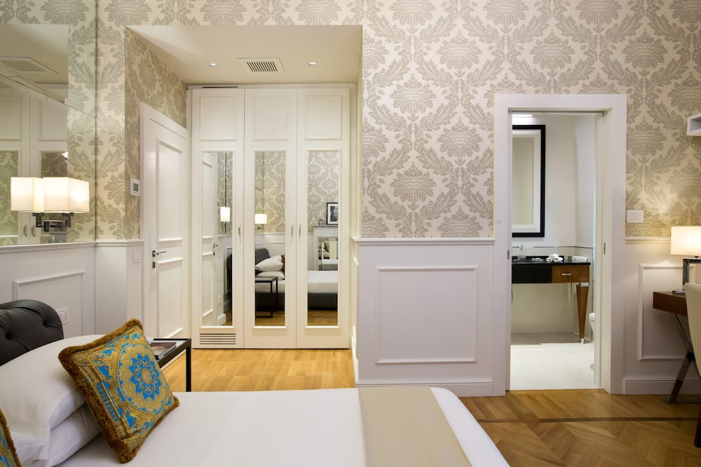 Superior Double Room, 1 Double Bed - Living Area