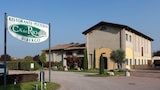 Choose This Business Hotel in Formigine -  - Online Room Reservations