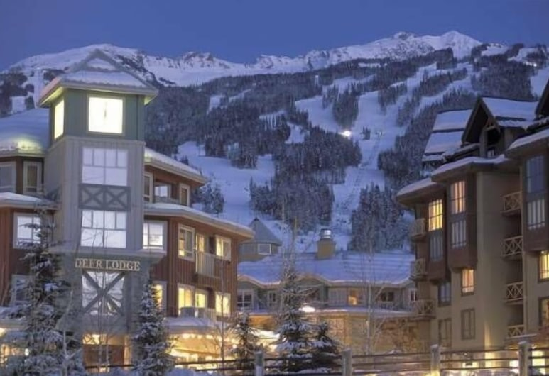 Whistler Blackcomb VR at Town Plaza, Whistler, Front of property - evening
