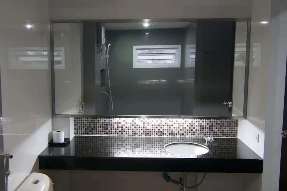 Kamar Standar, 1 Tempat Tidur Double, pemandangan kota - Kamar mandi