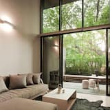 2 Bedroom Duplex Apartment - Ruang Tamu