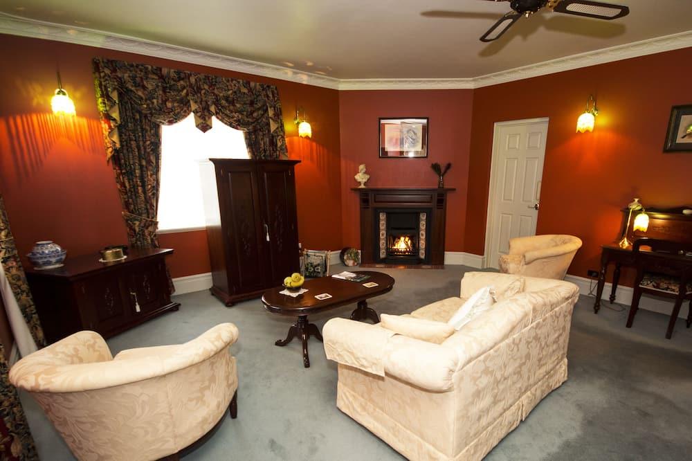 Deluxe-suite - privat badeværelse (Davenport) - Opholdsområde