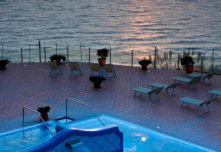 Hotel Albatros, Forio, Infinity Pool