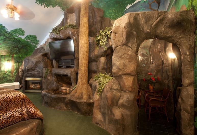 Black Swan Inn, Pocatello, Suite, 1 Queen Bed (Jungle Falls Suite), Guest Room