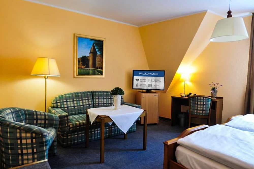 Standardní pokoj s dvojlůžkem nebo dvěma jednolůžky, 1 ložnice - Obývací prostor