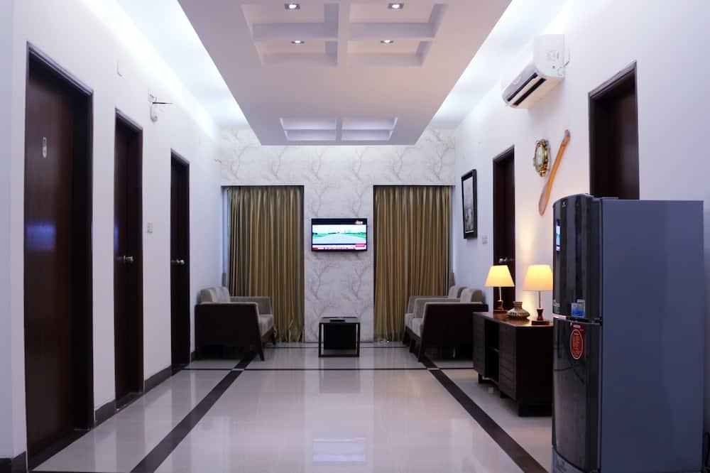 Grand Apartment, 3 Bedrooms - Bilik Rehat