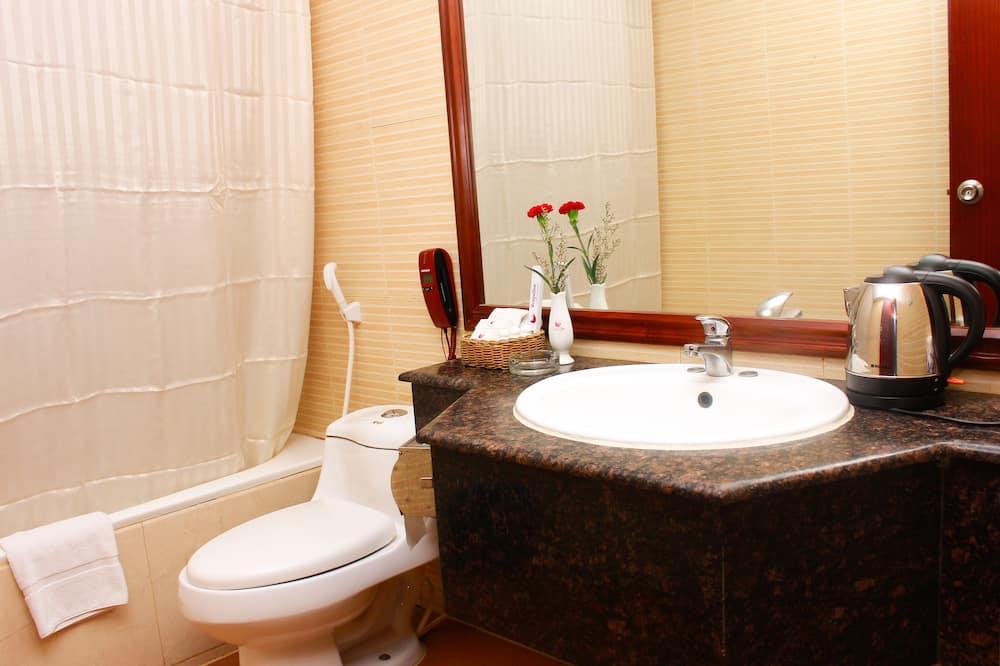 Dvojlôžková izba typu Deluxe, 1 spálňa, bezbariérová izba, nefajčiarska izba - Kúpeľňa