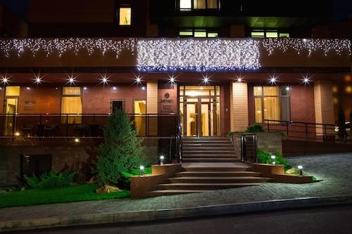 扎格拉瓦飯店/