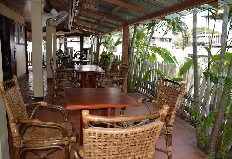 Villa Laodeum, Luang Prabang, Utendørsservering