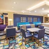 La Quinta Inn & Suites by Wyndham Duluth