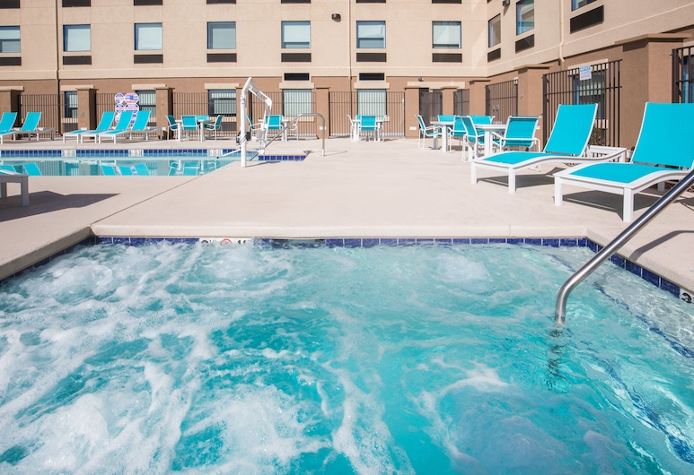 Holiday Inn Express & Suites Pahrump, Pahrump, Pool