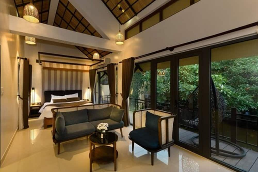 Villa King Bed Garden or Lake View (Free Foot Massage for 2 People per stay)  - Living Room
