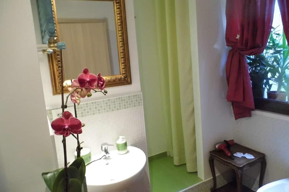 ห้องดับเบิล, เตียงใหญ่ 1 เตียง, ห้องน้ำส่วนตัว (external bathroom) - ห้องน้ำ