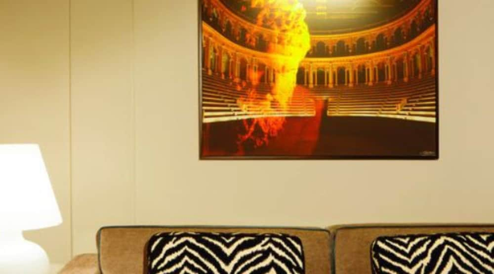Book Stendhal Luxury Suites in Rome | Hotels.com