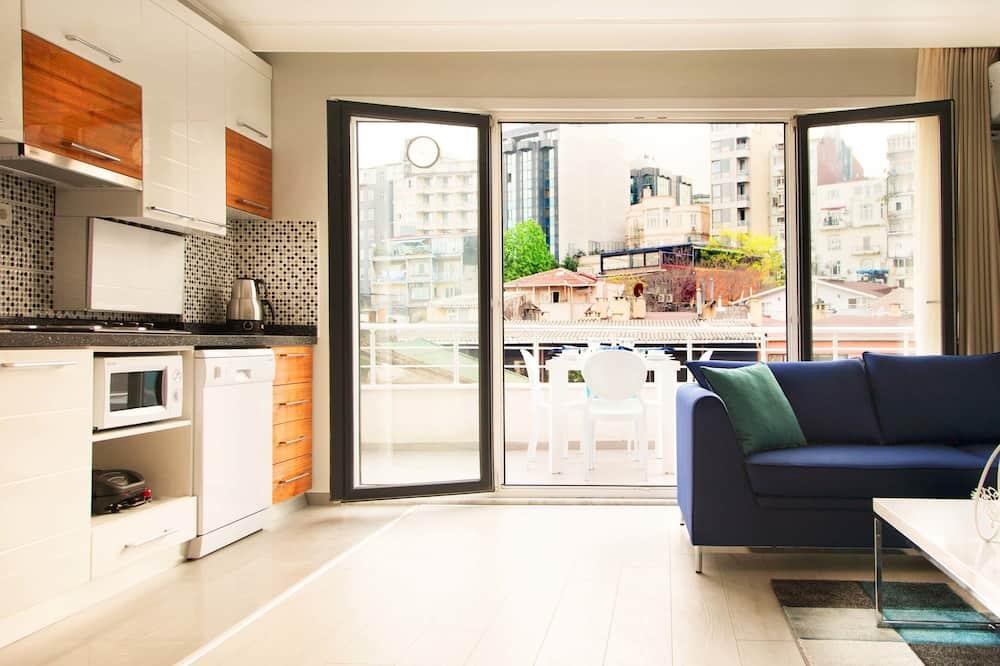 Premium Penthouse, 1 Bedroom, Sea View - Living Area