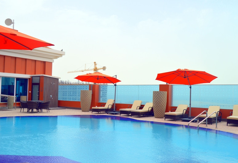 Ramada by Wyndham Manama City Centre, Manama, Outdoor Pool