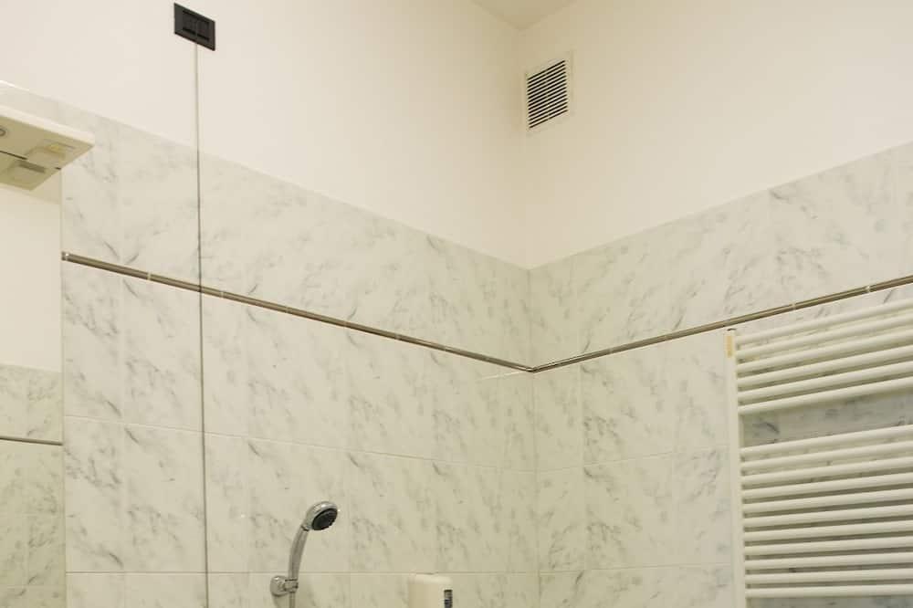 Double or Twin Room - Deep Soaking Bathtub