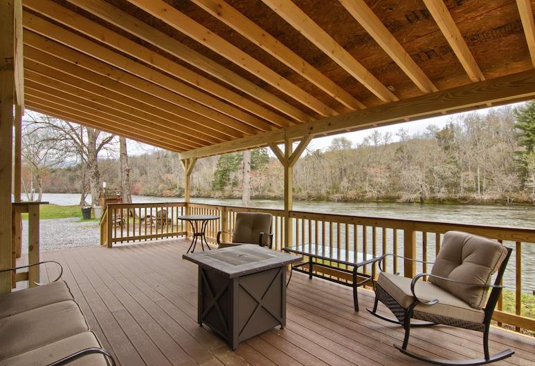 Asheville River Cabins - All With River Views, Ardenas, Trobelė, virtuvė, vaizdas į upę (Lazy River Cabin #1), Terasa / vidinis kiemas