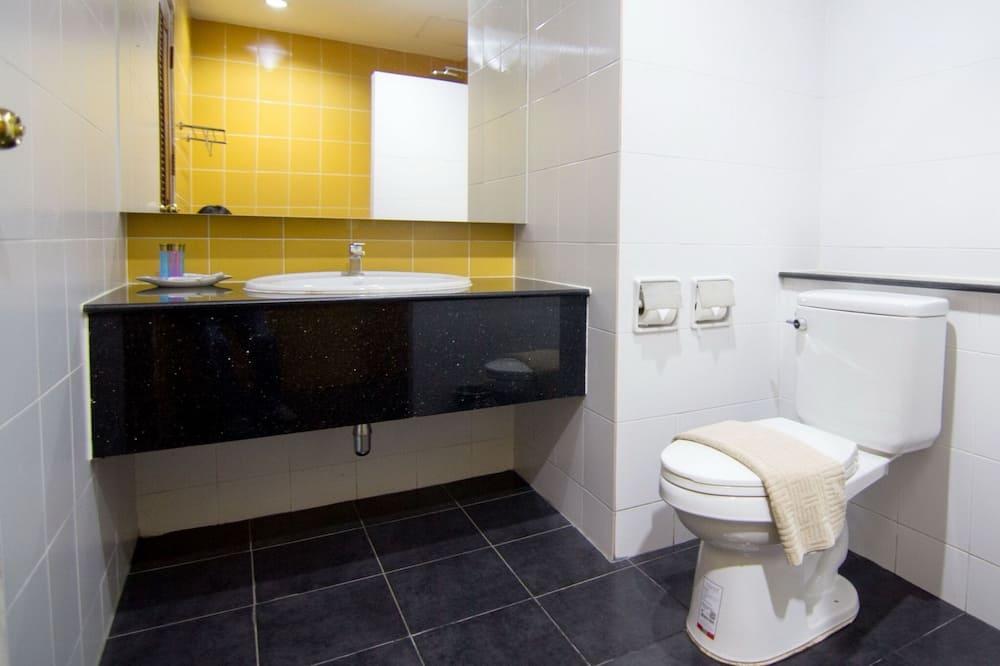 Dvojlôžková izba typu Superior, výhľad na záhradu - Kúpeľňa
