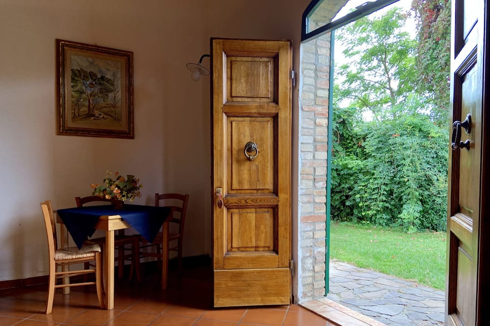 Classic Apartment, 1 Bedroom - Garden View