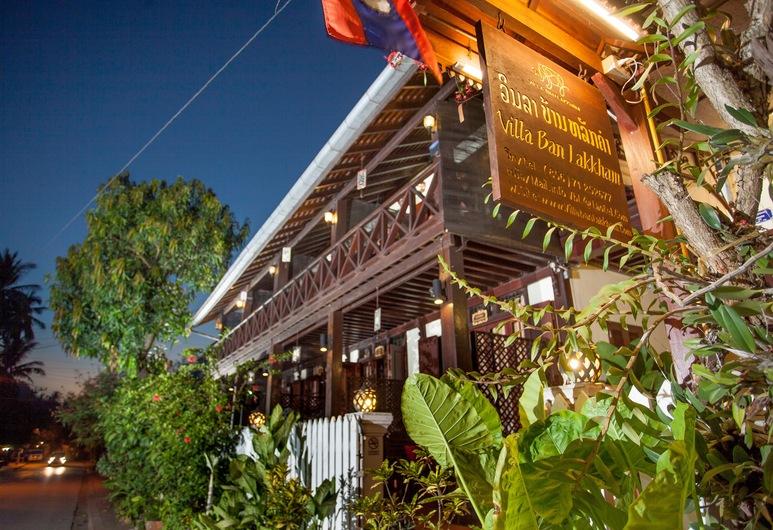 Villa Ban Lakkham, Luang Prabang, Hotellets front – kveld/natt