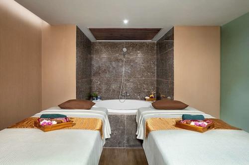 Mercure Jakarta Batavia Jakarta Updated Price Reviews Hd Photos Hotels Com