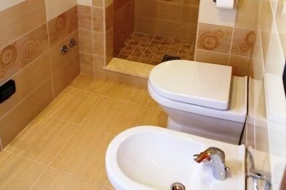 Comfort Room - Azzurra - Bathroom