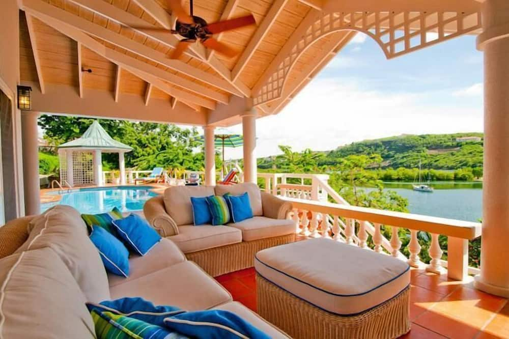 Villa Luxe, 2 chambres, service de concierge, vue baie - Balcon