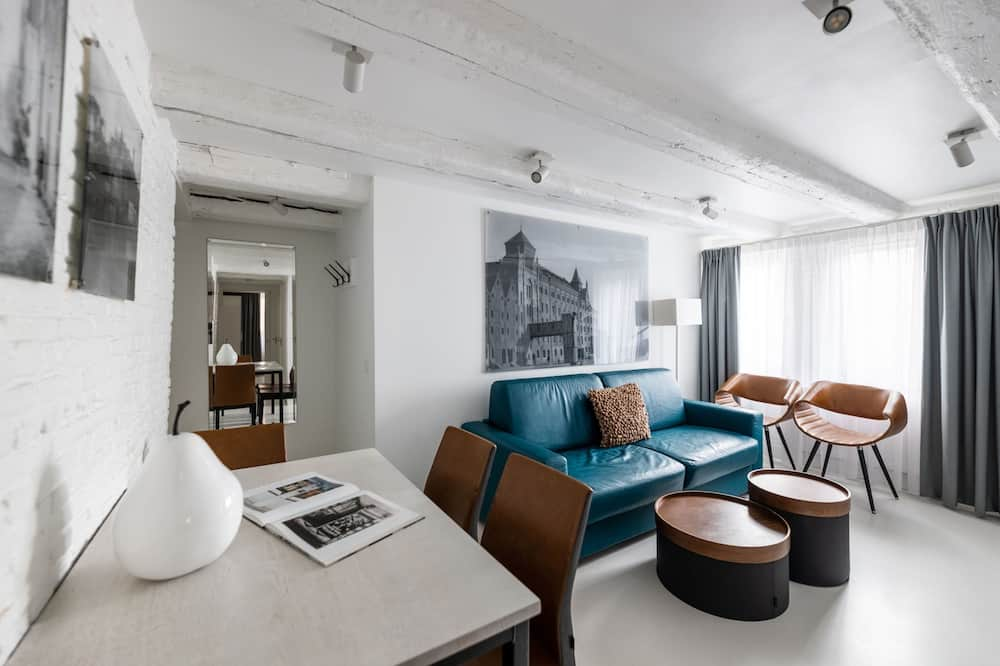 Comfort One-Bedroom Apartment B (2 adults) - Living Area
