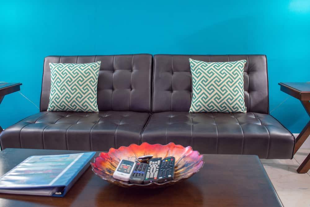 Design Apartment, 2 Bedrooms, Non Smoking, Kitchen - Living Area