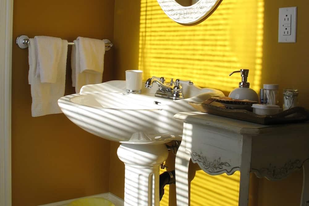 Standardní pokoj, dvojlůžko - Koupelna