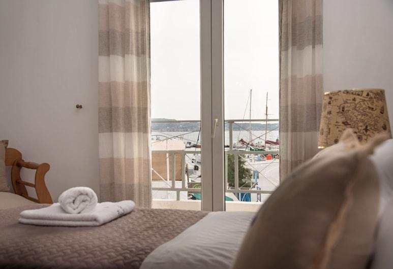 Capetan Giorgantas, Milas, Pagerinto tipo trivietis kambarys, vaizdas į jūrą, Vaizdas iš svečių kambario