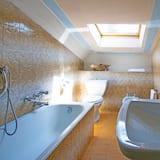 Dvivietis kambarys, 1 miegamasis - Vonios kambarys