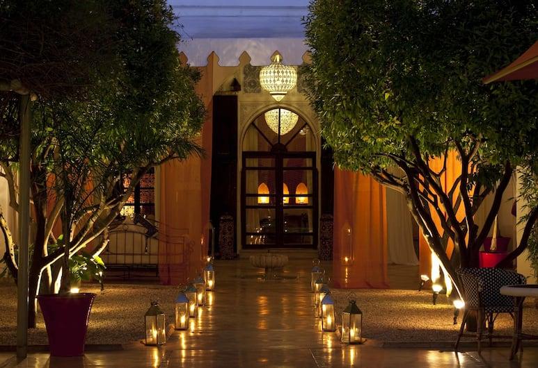 Riad Charai, Marrakech, Hadapan Hotel - Petang/Malam